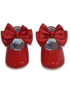 PRAM SHOES IN PATENT...