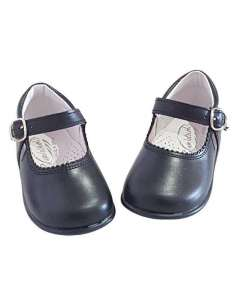 Baby Mary Janes in leather...