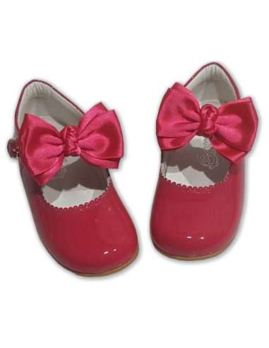 MARY JANES IN PATENT BUTTERFLY  BOW...