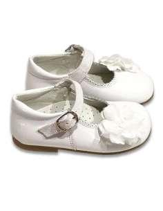Mercedita en piel charol con correa en glitter y flor 2131 Blanco