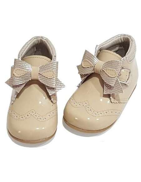 BABY BOOTS WITH BOWS IN PATENT BAMBI 5024 CAMEL